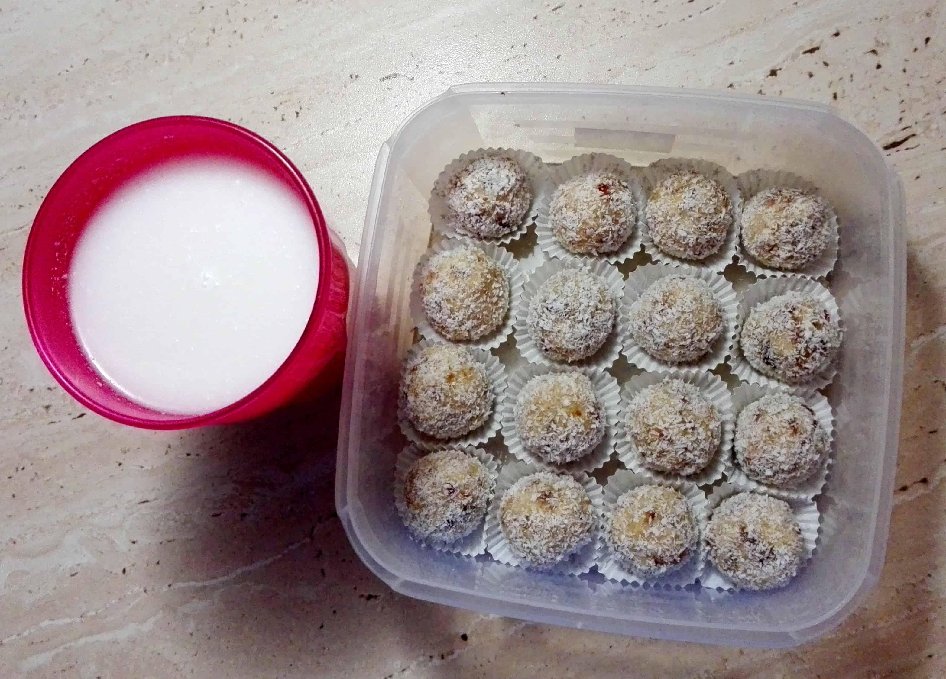 Raw kokosové guľky + domáce kokosové mlieko