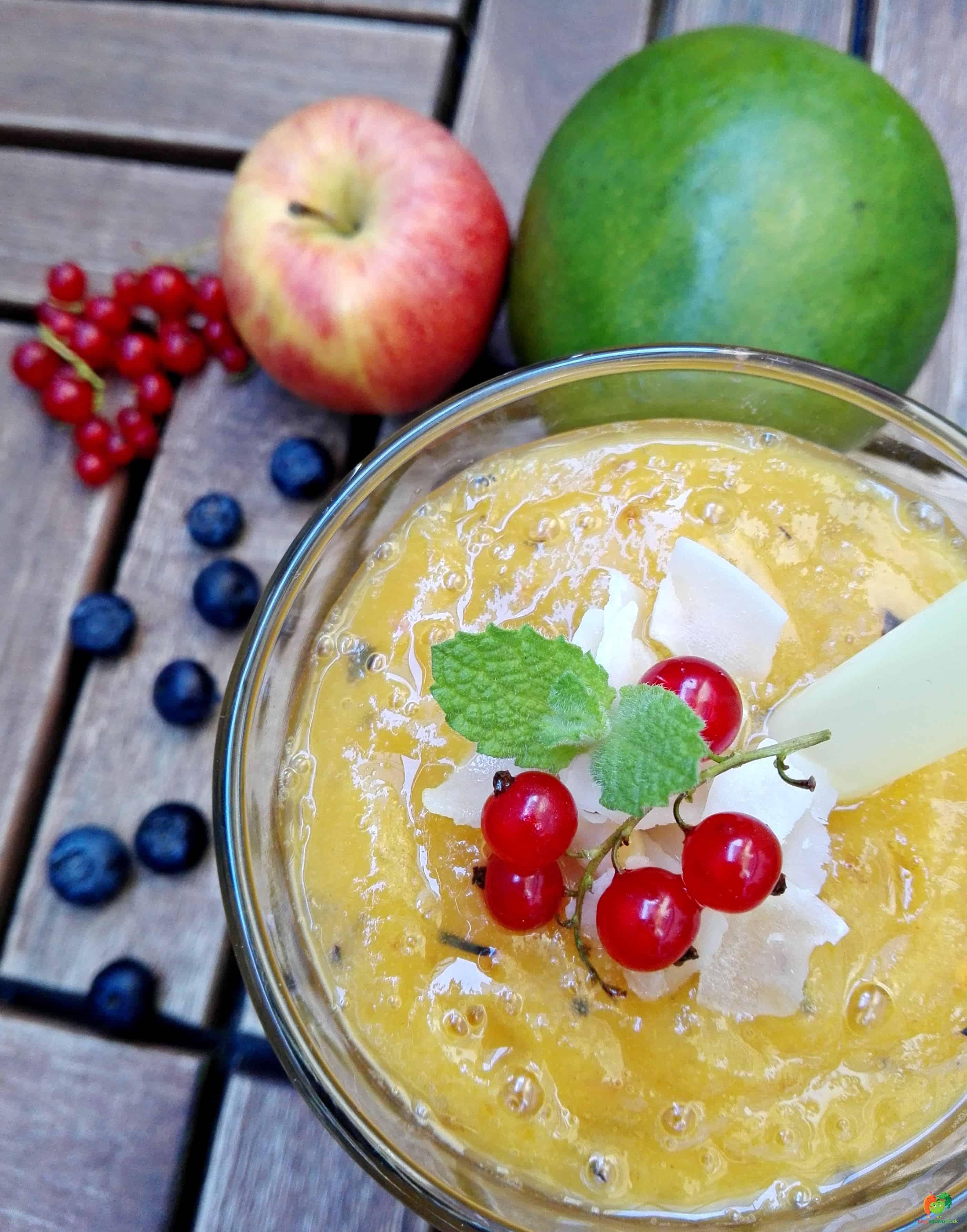 Letné, ovocné smoothie