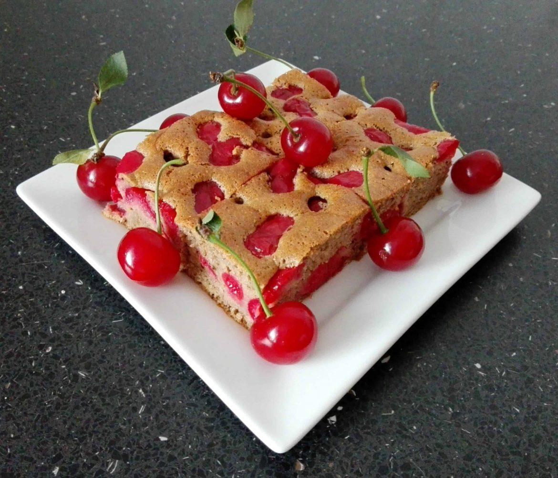 Višňovo-karobová bublanina (bezlepková)
