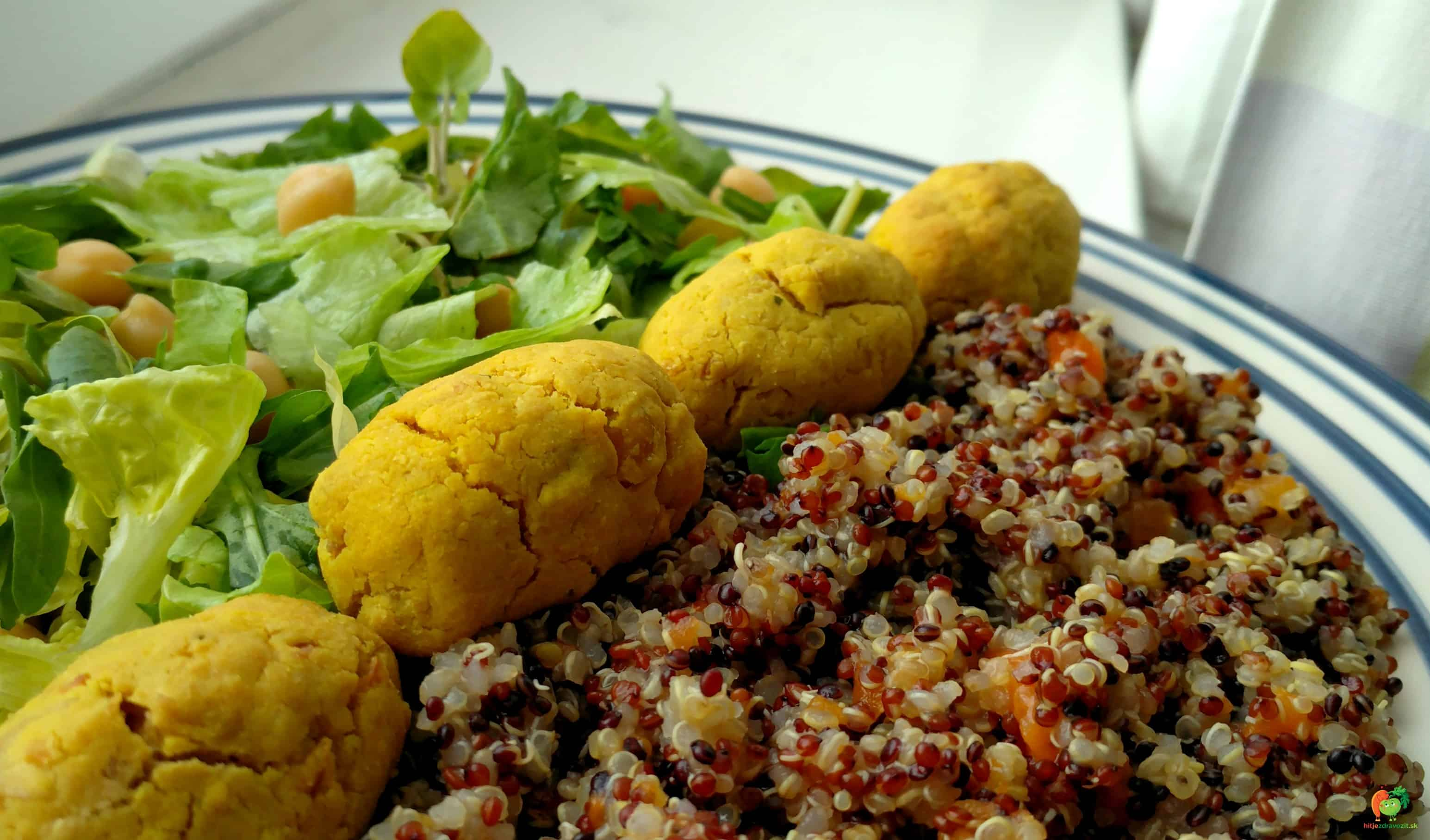 Pečený falafel s kurkumou a trojfarebnou quinoou