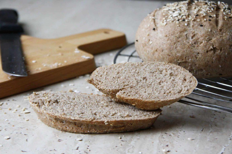 Celozrnný špaldový chlieb (bez kvasníc)
