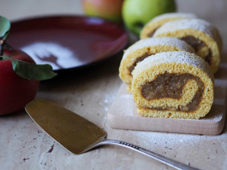Piškótová roláda s jablkovým krémom