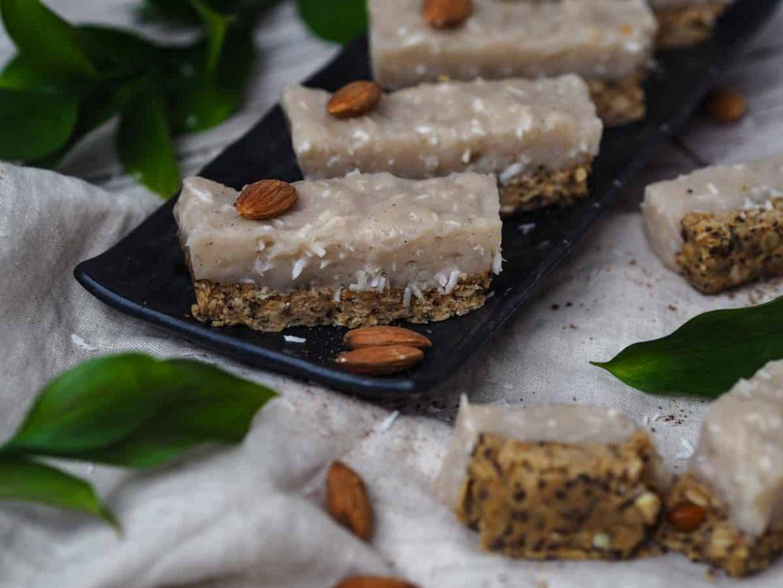 Arašidové rezy s vanilkovo-kokosovým krémom