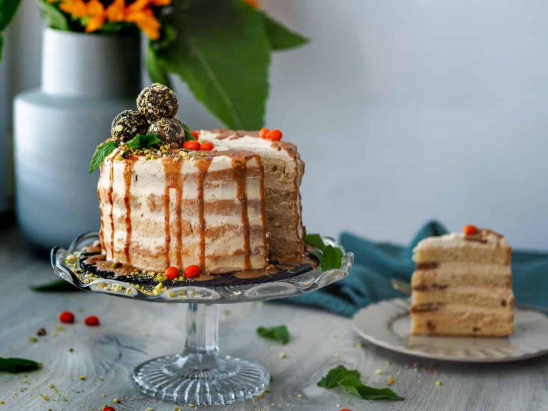 Nahá torta s mascarpone-mandľovým krémom