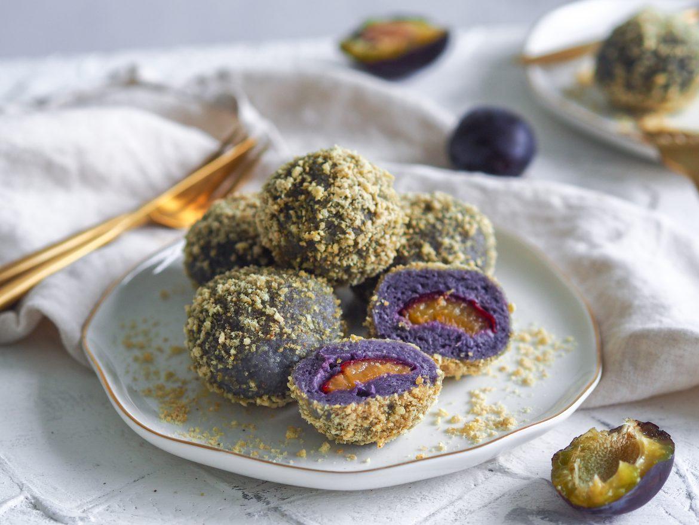 Slivkové gule z fialových zemiakov
